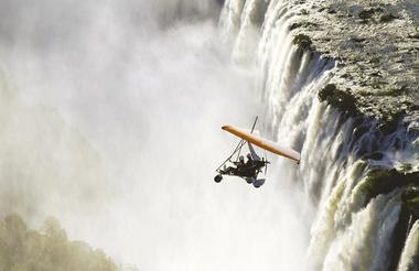 WILD HORIZONS MICROLIGHT FLIGHT OVER THE FALLS